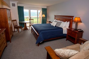 Vintner's Deluxe Guestroom-Inn at Glenora Wine Cellars- Seneca Lake Lodging