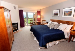 Vintner's Select Guestroom - Inn at Glenora Wine Cellars - Seneca Lake Lodging